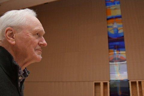 KYRKJEKUNSTNAR: Per Odd Aarrestad liker å laga kunst til det han kallar monumentale bygg.