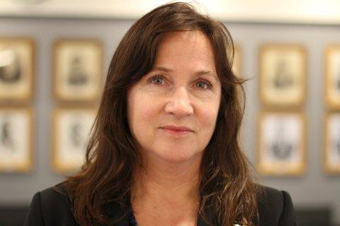 LA FRAM: I det ekstraordinære formannskapsmøtet onsdag, som var lukket for offentligheten, var det ordfører Irene Heng Lauvsnes som la fram forslaget til vedtak som ble enstemmig vedtatt. Arkivfoto.