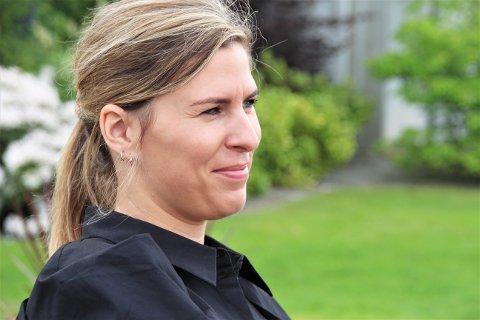 ENDELEG: – Det blir ei feiring då, ja, når me opnar dørene klokka fire på laurdag, seier Kristine Alsvik Slåtto i Senze Lounge Bar.
