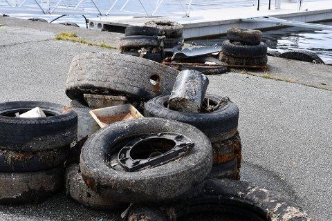 ROT OG RASK: Dette oppfattes ikke som verken pent eller innbydende. Håpet er at Strand kommune sørger for å få det fjernet.