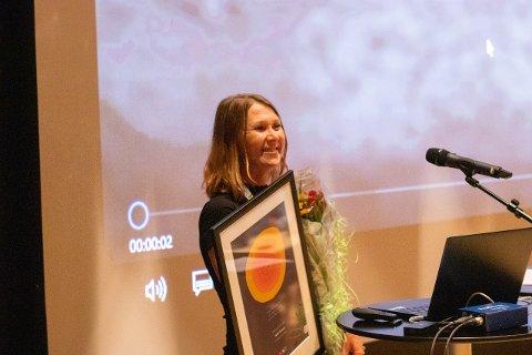 GLAD: Olga Sinitskaya tok imot prisen på vegner av NAV-kontoret i Strand.
