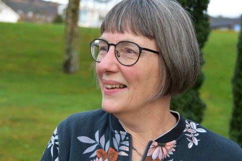 TRE DOSER: Smittevernoverlege Anja de Jong opplyser at noen pasientgrupper n¨å får tilbud om en tredje dose koronavaksine.