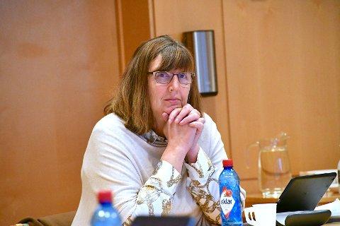 SENDER UT INFO: Kristin Kostøl Helgaland vil bruka skulane til å distribuera informasjon om vaksinering for dei mellom 12 og 15.