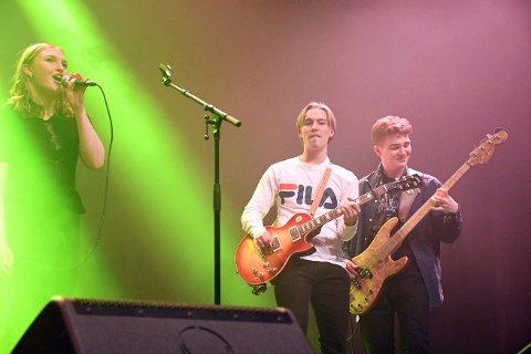 Årets UKM i Steinkjer ble tidenes største. Her fra forestillingen i Steinkjer med bandet Nullvisjon på scenen.