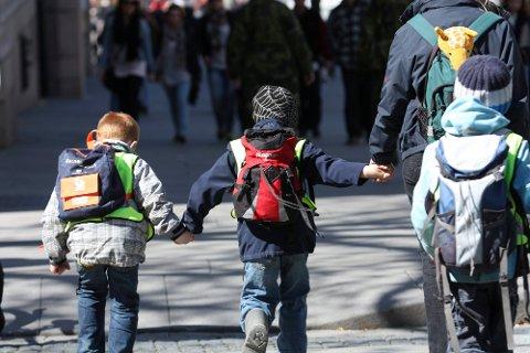 Fra og med i høst skal ikke lenger barna møte opp for innskrivning på skolen.