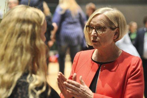 - Respektløst og uforsvarlig, sier Marit Arnstad (Sp) om at forslaget til endringer i domstolstrukturen.