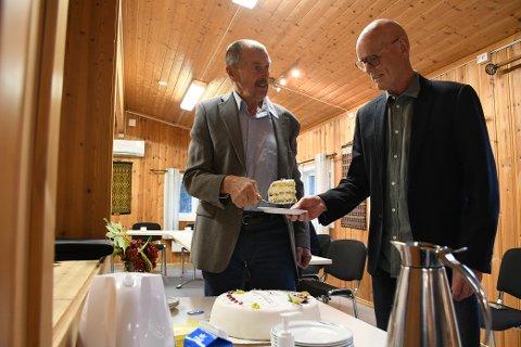 ILDSJELVINNERE: Jan Skevik og Trond Hustad er kåret til årets idrettsildsjeler i Levanger kommune