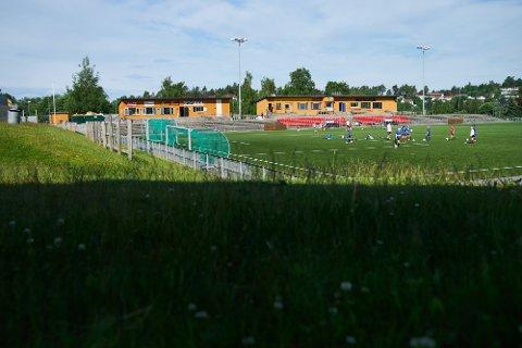 Mandag var det fotballskole på Guldbergaunet. Guldbergaunet stadion i Steinkjer. Steinkjer FK.