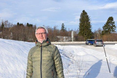 BLE HØRT: Leder Trond Thorshaug i Grenaderen boligsameie er glad for at fylkeskommunen vil sette ned fartsgrensa kraftig på fylkesveg 759 i Steinkjer.