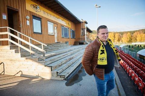 IKKE SOM PLANLAGT: Andreas Holmberg har en hundreprosentstilling som klubb- og spillerutvikler i Steinkjer FK. På grunn av koronapandemien er han permittert og jobber nå kun 30 prosent i klubben.