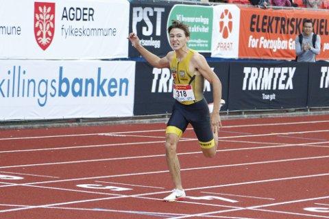 Bastian Elnan Aurstad leverte en utrolig 400 meter da han satte en fantastisk aldersrekord. Han fikk sølv.