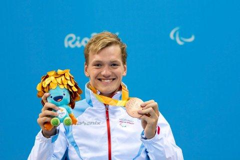 Som 19-åring tok Andreas Skår Bjørnstad bronsemedalje under Rio-OL. Da var premien medalje og en bamse. Og begge to er det blitt mange av opp gjennom åra.