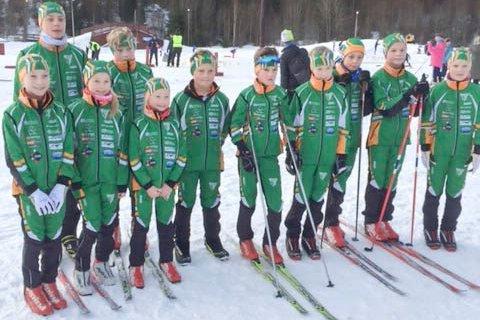 Biborennet på Svarstad: Her har de samlet de løpere som var med til Svarstad og Biborennet.