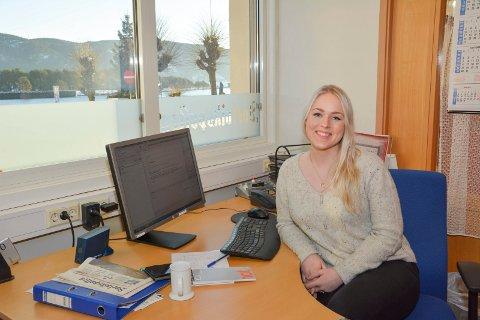 NY REDAKTØR I GANG: Emma  Huisman Moskvil startet så vidt i jobben som ny redaktør i Svelviksposten, og skal bruke desember til å bli bedre kjent.