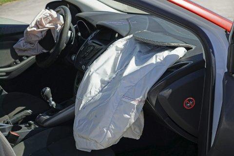 ULYKKER: Det ble registrert seks ulykker med personskader i veitrafikken i Svelvik kommune i fjor. Åtte ble skadet. (Illustrasjonsfoto)