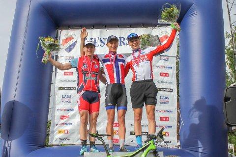 NM: Gabriel C. Slinger fikk 3. i junior elite. T. Johannessen Soon CK vant, nr. 2. ble J. Anmarkrud Konnerud IL. Foto: B. Slinger