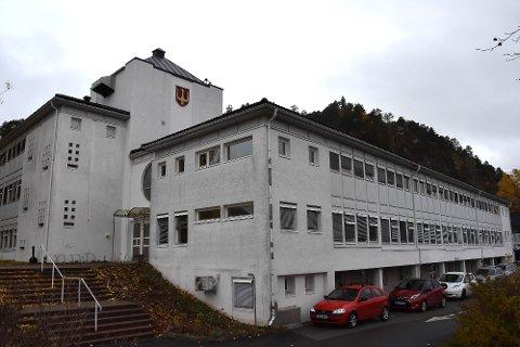Rådhuset i Svelvik kommune.