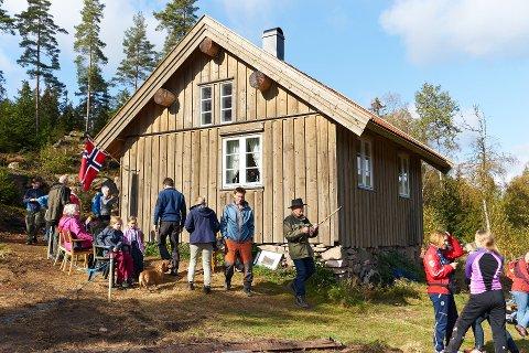 Turhytta på Vassås sto ferdig til åpning for en drøy måned siden.