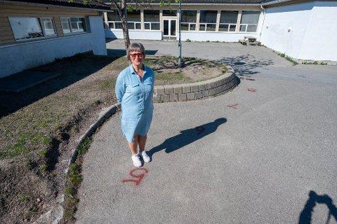 Hilde Stavdal er kjempefornlyd med at alle stillingene er satt på Tømmerås skole i Svelvik. Det har vært utfordrende å få inn lærere med relevant utdannelse.