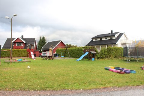 RUSTES OPP: Denne lekeplassen i Nesbygda skal bli ny.