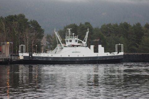 Hurumferja er tilbake i Svelvik denne uka.