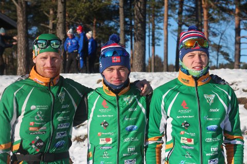 Fra venstre: Jarle Mogensen (3. etappe), Alv Skjeldal (2. etappe) og Jørgen Dyrdal (1. etappe). Førstnevnte var imponert da han hørte om plasseringen laget hadde på første veksling.