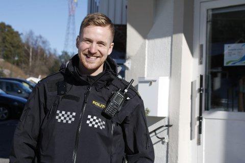 Svelviks politikontakt, Thomas Kiil Brun-Pedersen bekrefter at det forsøples i barnehager.