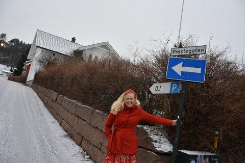 Annette Stensen flytter fra Prestegaten og jobben som sogneprest. Å få på plass en erstatter kan ta tid.