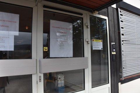 Det er gjort istand en egen korona-avdeling på Svelvik sykehjem, men foreløpig er ingen pasienter innlagt der.