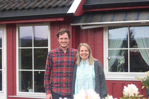Lars Olav Wilhelmsen og Olga Sakarinen er nyinnflyttet til Svelvik - og trives godt så langt.