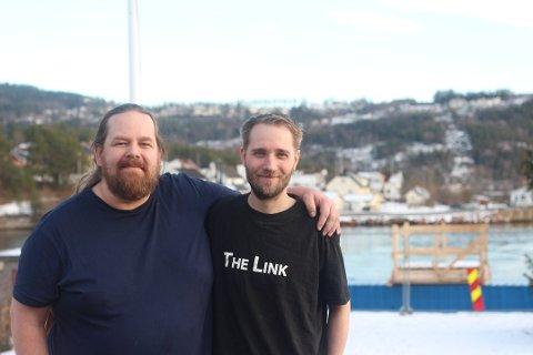 Knut Thomas Brenne (t.v) synes det er synd at de må avlyse høstens utgave av The Link. Her sammen med Martin Tharaldsen.