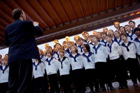 Sølvguttene skal feire både seg selv, Berger I.L og Berger kirke når de kommer til Berger i slutten av september. Her fra da de opptrådte på Norsk Folkemuseum i desember 2006.