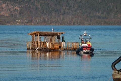 Denne flåta lå i veien for bilskipet Viking Contanza i påsken.