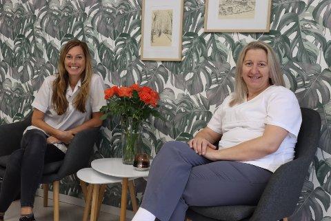 Karine Grønlund Nelson (t.v) og Nusreta Kulenovic feiret nylig tiårsjubileum i Svelvik.