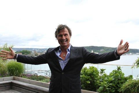 DOLLARGLIS: Petter Stordalen er godt fornøyd med salget av kjøpesenterkjeden Sektor Gruppen. Dermed sper