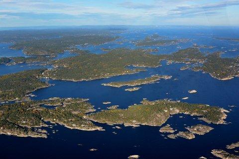 KJØPTE HER: Kragerøskjærgården med Skåtøy sett fra lufta