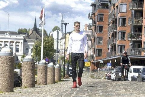 PÅ OFFENSIVEN: Elba Rashani er hjemme på ferie før Brøndby-treningene starter opp igjen i neste uke. Om tre uker er det Europaliga-kvalik. Håpet er å møte Odd. foto: ole martin møllerstad