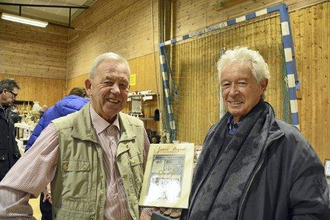 Skrevet bok: Josef Halvorsen og Kjell Egil Halvorsen har skrevet en stor bok om PP-porselenet, kanskje kommer det enda et verk.