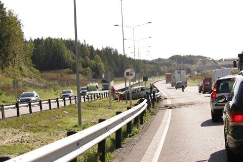 Skal vi tro norske sjåfører, er praktisk talt alle gode på det de driver med. Sånn er det dessverre ikke, sier Trygg Trafikk.