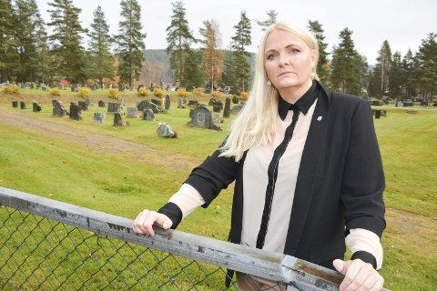 VÅKNE: – Nå må distrikts-Ap og KrF våkne, sier fungerende ordfører Åslaug Sem-Jacobsen. Om Telemark og Vestfold blir ett fylke avgjøres i desember.FOTO: JARLE PEDERSEN