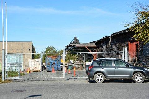 FIKK IKKE FORTSETTE: Rivearbeidet på Grenland papp ble stanset av Arbeidstilsynet tirsdag formiddag. Foto: Ellen Esborg