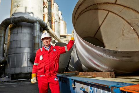 ALARMEN GÅR OFTERE: Fabrikksjef Per Knudsen ved Yara Porsgrunn bekrefter at alarmen går oftere enn før. Han avviser imidlertid at sikkerheten har blitt noe dårligere.