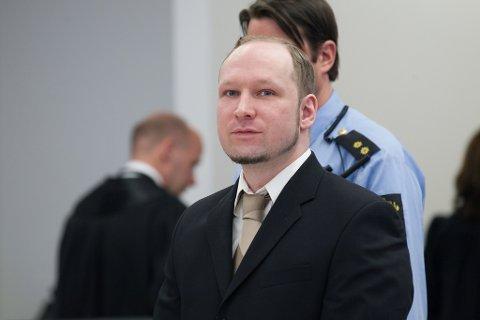 SA NEI: Barnemorderen Anders Behring Breivik fikk tillatelse til å ha telefonisk kontakt med en person utenfor fengselet, men valgte selv å avbryte kontakten med vedkommende. Han har saksøkt Norge for brudd på menneskerettighetene. Foto: Paul Weaver (Mediehuset Nettavisen)