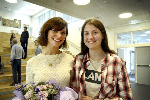 NÆRMØTE: Victoria møtte godt forberedt og var en av flere som fikk stille Linn-Jeanethe Kyed spørsmål.