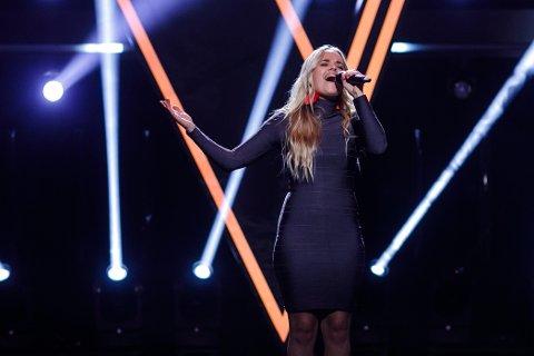"""I TV-RUTA: Lillen Stenberg er igjen klar for """"The Voice"""" fredag kveld. Hun håper på mange stemmer fra Telemark. (Foto: TV2)"""