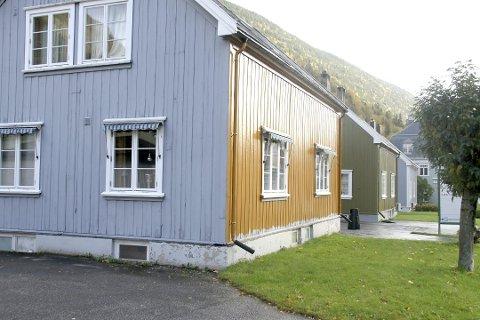 FARGERIKT: Gamle farger tilbake på husveggene på Rjukan