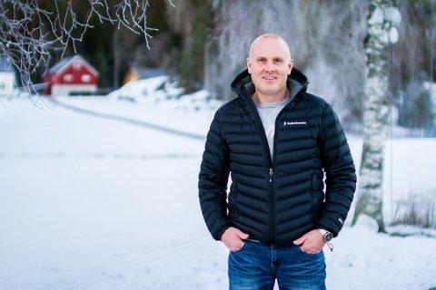 Jarle Valle fra Gjerstad søker kjæreste via Facebook. Responsen er enorm. Foto: Juni Wendelin Fasting
