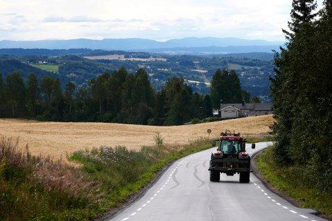 FARLIG KOMBINASJON: 50-åringen fra Midt-Telemark har nå fått sin andre dom for å ha kjørt traktor mens han var rusa på hasj. Dette bildet er tatt i en annen sammenheng.