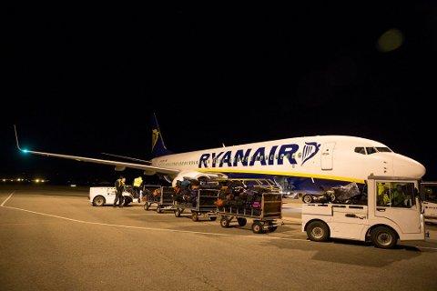 Ryanair vil kansellere mellom 1.600 og 2.100 flygninger de neste seks ukene.