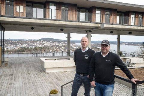 UT AV LEDELSEN: Jørre Kjemperud (t.v.) slutter som resortdirektør, mens Frode Ellefsen fortsetter i en prosjektstilling. Begge beholder sin eierandel i morselskapet.